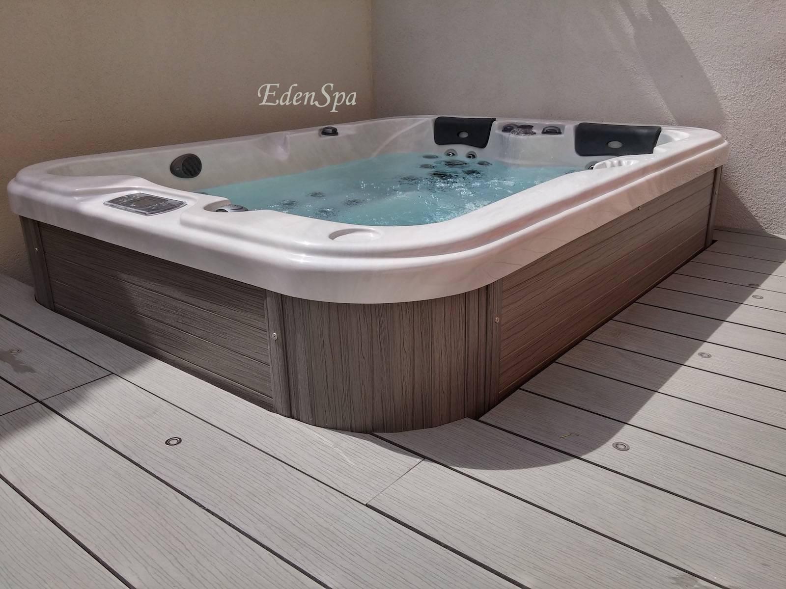 un spa 3 places haut de gamme en plein coeur d 39 aix en provence mod le o354 edenspa. Black Bedroom Furniture Sets. Home Design Ideas