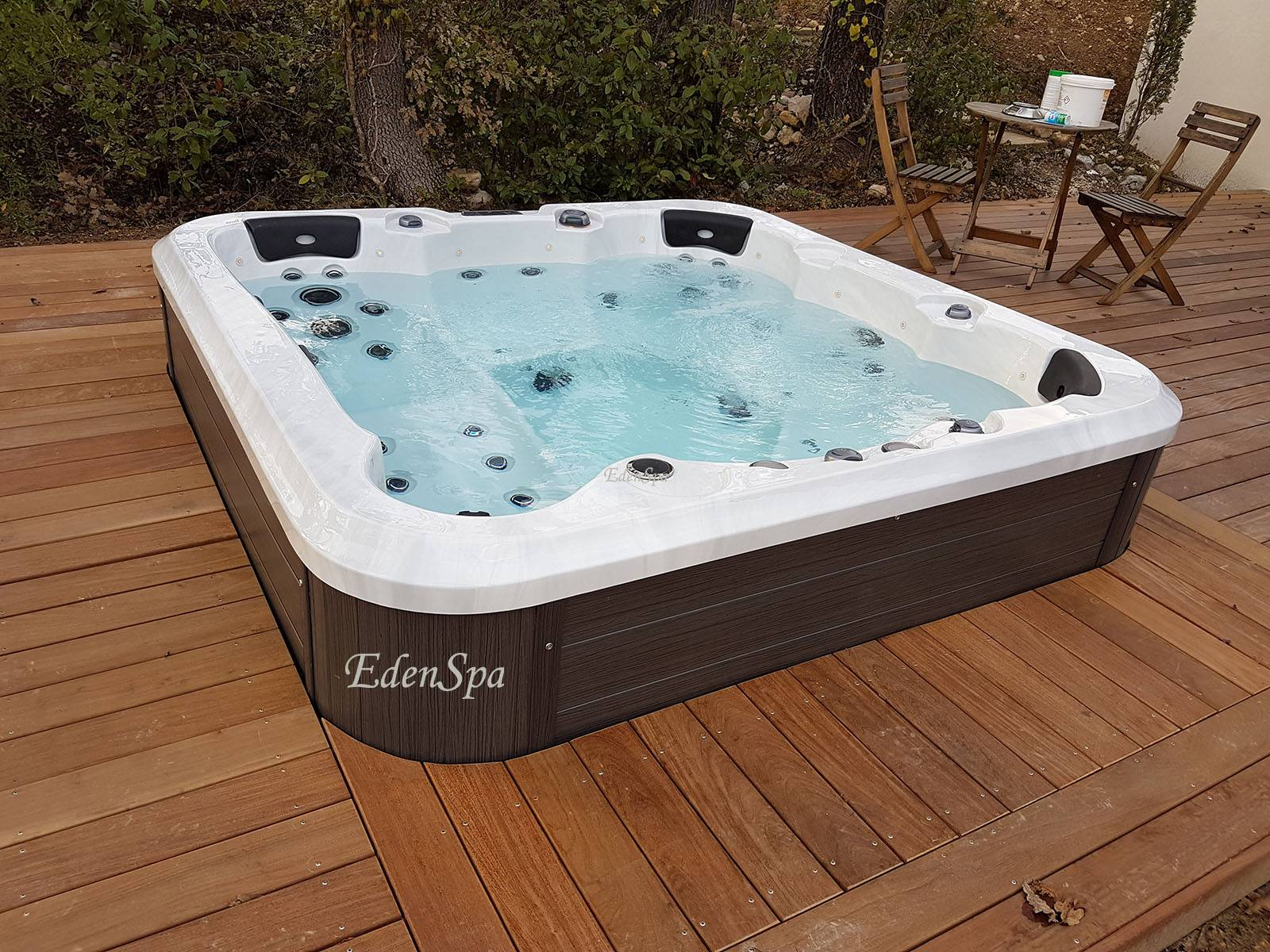 spa 6 places haut de gamme fabriqu au canada edenspa. Black Bedroom Furniture Sets. Home Design Ideas