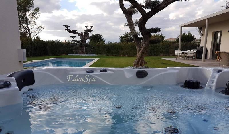 Spa canadien 5 places 75 jets mod le o575 aix en provence edenspa - Salon massage aix en provence ...